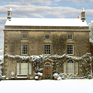Vale-House-Kitchen-Snow